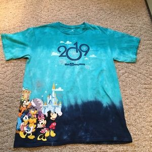 2019 Walt Disney World graphic tee T-shirt large